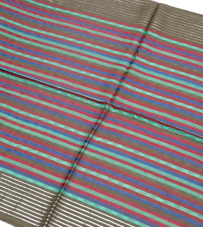 銀糸入りスカーフ - 淡緑系 2 - 銀糸がアクセントになっています。