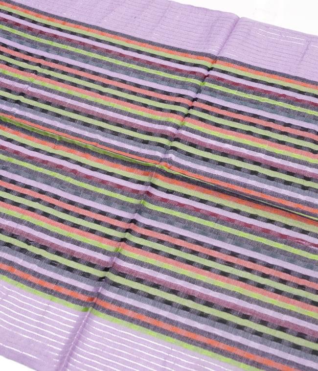 銀糸入りスカーフ - 薄紫系の写真2 - 銀糸がアクセントになっています。