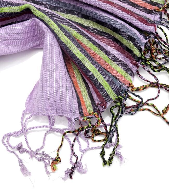 銀糸入りスカーフ - 薄紫系の写真4 - フリンジ部分はこんな具合です。