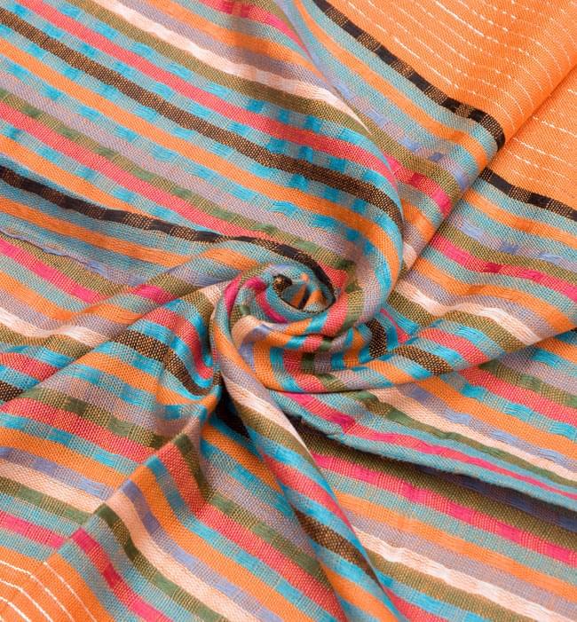 銀糸入りスカーフ - オレンジ系 5 - クシュッとしてみました。