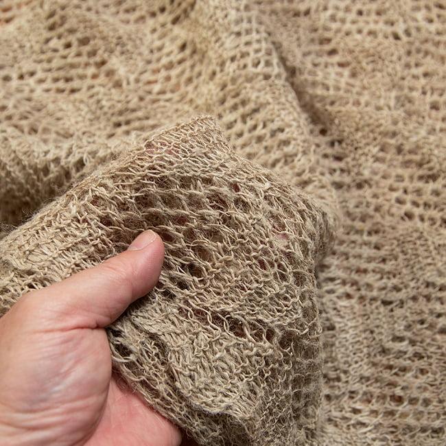 天然ネトルの手編みストール 6 - 柔らかな質感です。