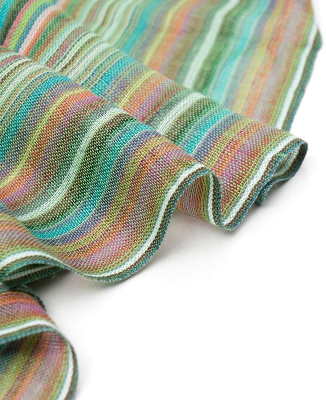 カラフルストライプスカーフ - 緑系の写真3 - とても柔らかいビスコース素材です。