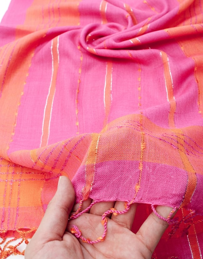 カラフルストライプスカーフ- - ピンク×オレンジ系の写真7 - このような質感になります