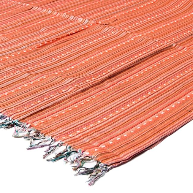 インドの伝統布ルンギーのボーダーストール〔200cm×97cm〕オレンジ 5 - 使い勝手の良い大判タイプです