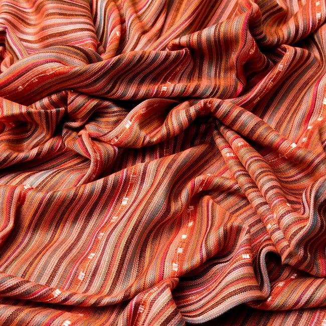 インドの伝統布ルンギーのボーダーストール〔200cm×97cm〕オレンジ 6 - 色彩のインドらしく、綺麗な布です