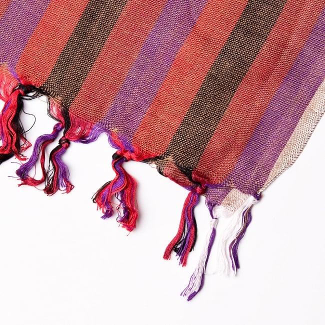 インドの伝統布ルンギーのボーダーストール〔200cm×97cm〕えんじ 4 - 縁の写真です