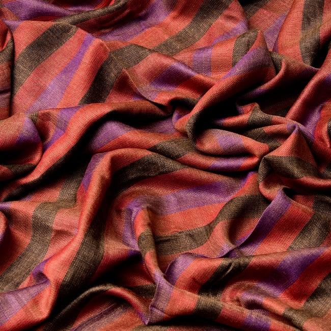 インドの伝統布ルンギーのボーダーストール〔200cm×97cm〕えんじ 6 - 色彩のインドらしく、綺麗な布です