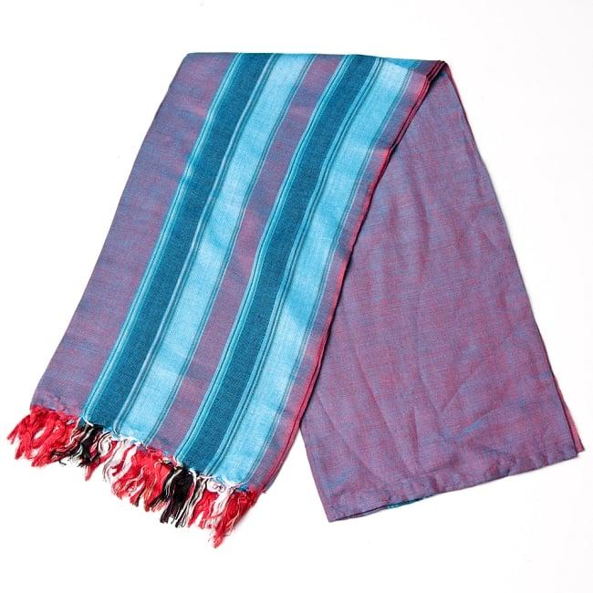インドの伝統布ルンギーのボーダーストール〔200cm×97cm〕ブルー×レッド 2 - 折りたたむとこのような感じです