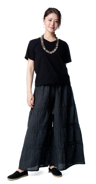 コットン素材のティアードフレアパンツ【ロング丈】 3 - 身長165cmのモデル着用例です。選択1:ブラック