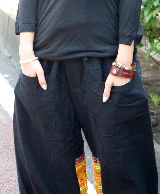 モン族刺繍のタイパンツ 【黒】の写真5 - 両サイドにあるポケットが嬉しいですね。