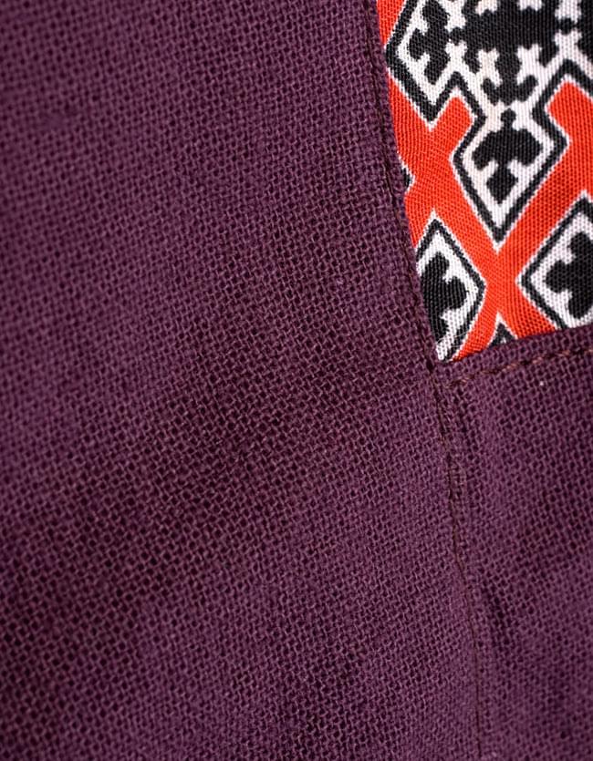 モン族刺繍のタイパンツ 【えんじ】の写真8 - 素材をアップにしてみました。肌触りの良いコットンです。