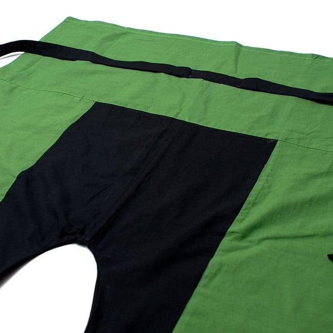 バイカラーのコットンタイパンツ-ショート - 【グリーン・ブラック】の写真2 - しっかりした縫製なのでとても丈夫です。