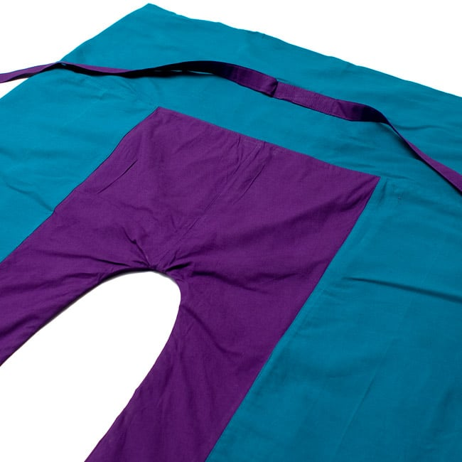 バイカラーのコットンタイパンツ-ショート - 【ブルー・パープル】の写真2 - しっかりした縫製なのでとても丈夫です。