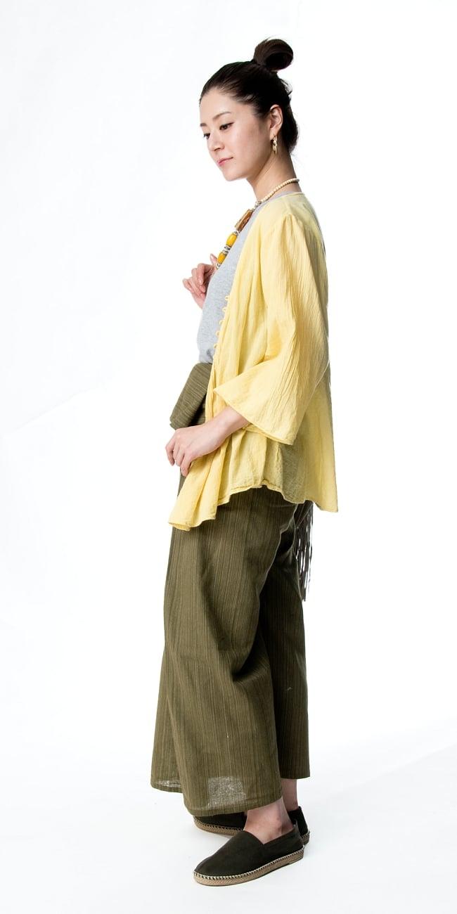 ストライプ織りのコットンタイパンツ 3 - 横からのシルエット