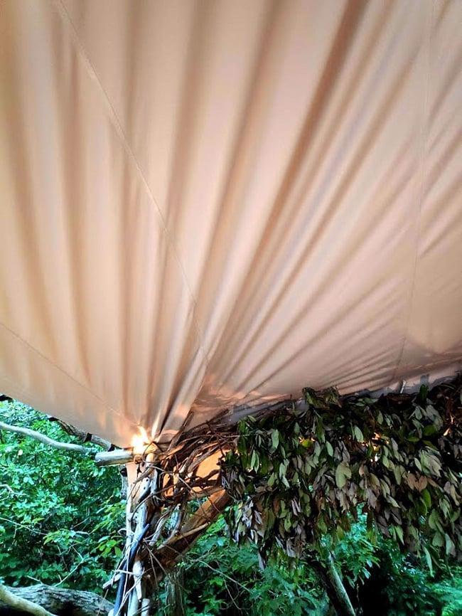 ストレッチテント 野外フェス イベント タープ【8m x 6m】【納期45日】 7 - 現在あるものに固定すれば設営が楽ちんです