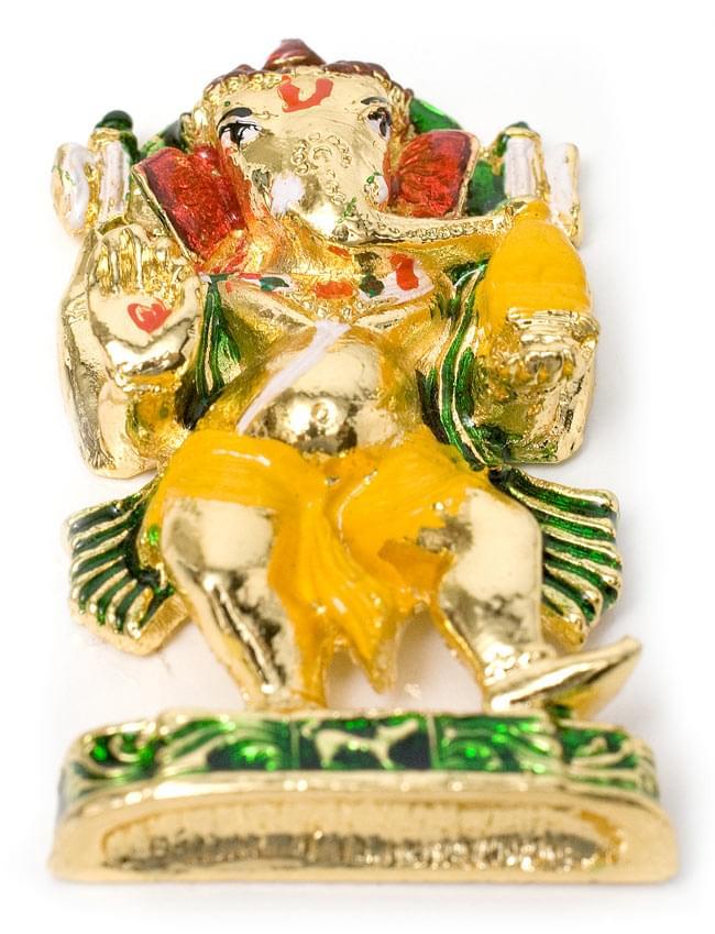 エナメル細工の金色ガネーシャ像(5cm)の写真5 - 少し下から見上げるとこのような感じです