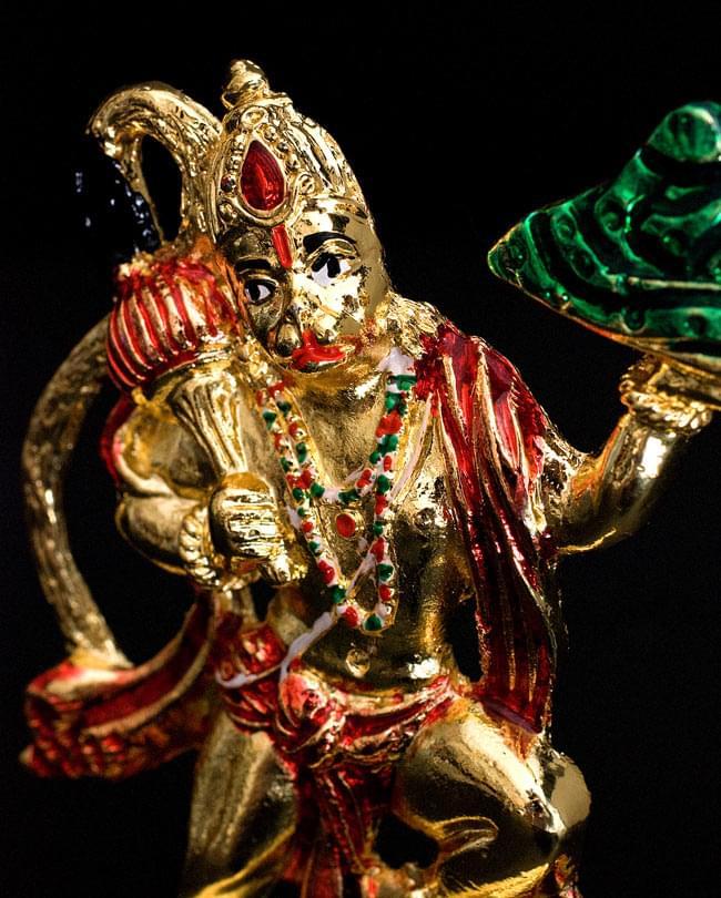 エナメル細工の金色ハヌマーン像(10cm)の写真2 - カイラス山を手に乗せるほどの膂力の持ち主とされています