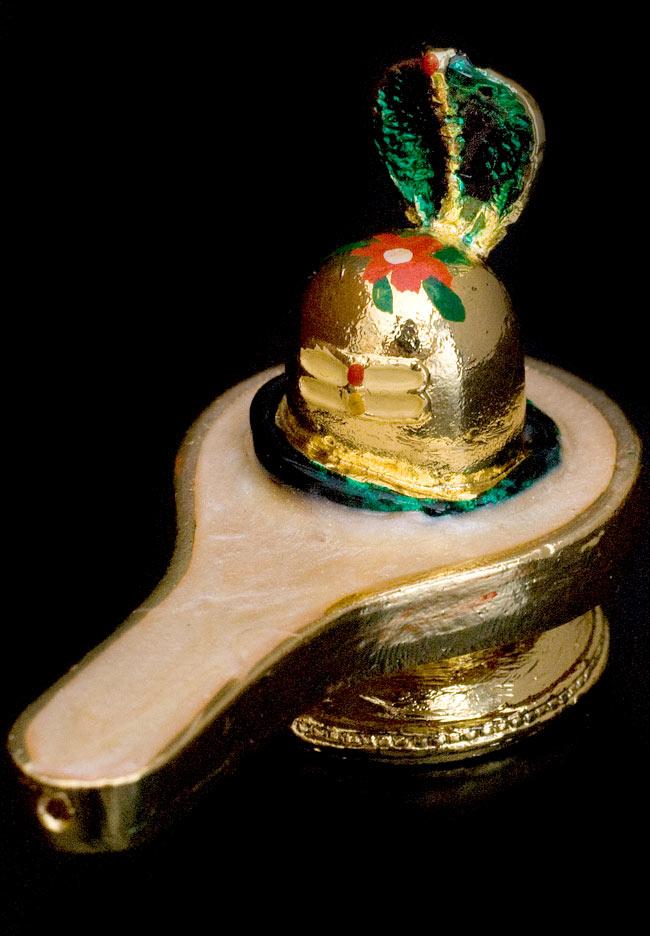 エナメル細工のナーガ・リンガ・ヨニ像(3cm)の写真