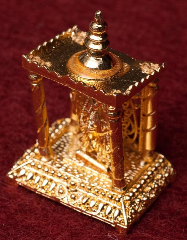 ゴールド・ミニ・ラダ・クリシュナ - 寺院タイプの写真2 - 斜め上から撮影しました