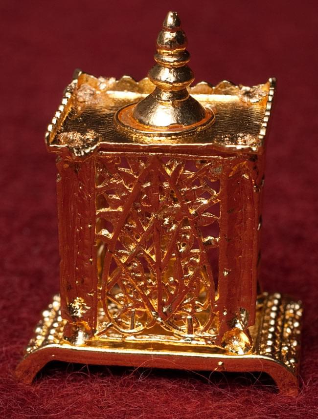ゴールド・ミニ・シヴァ・リンガム - 寺院タイプの写真4 - 裏面です