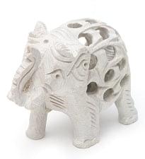 象の中に象がいる! ソープストーン入れ子彫刻(約8.5cm)