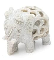 象の中に象がいる! ソープストーン入れ子彫刻(約7cm)