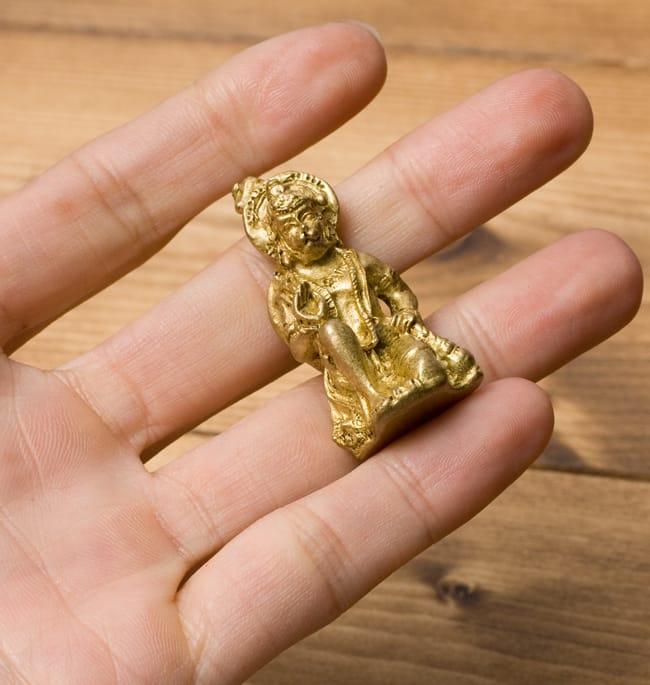 [ミニミニ神様シリーズ]ハヌマン の写真5 - サイズ比較のために、手に持ってみました