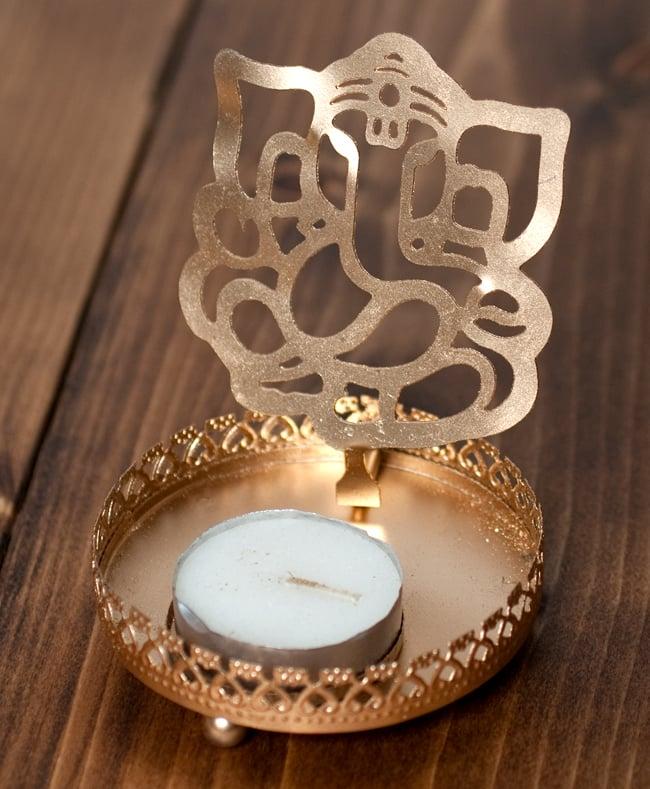 ティーライトキャンドルのシャドウランプ - ガネーシャの写真2 - 明るいところではこのような雰囲気です