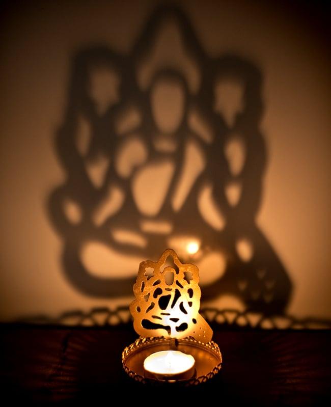 ティーライトキャンドルのシャドウランプ - サラスヴァティの写真