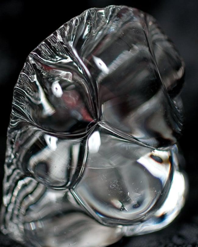 インドの神様 ガラス製ペーパーウェイト〔4.7cm〕 - ガネーシャの写真2 - 拡大写真です。