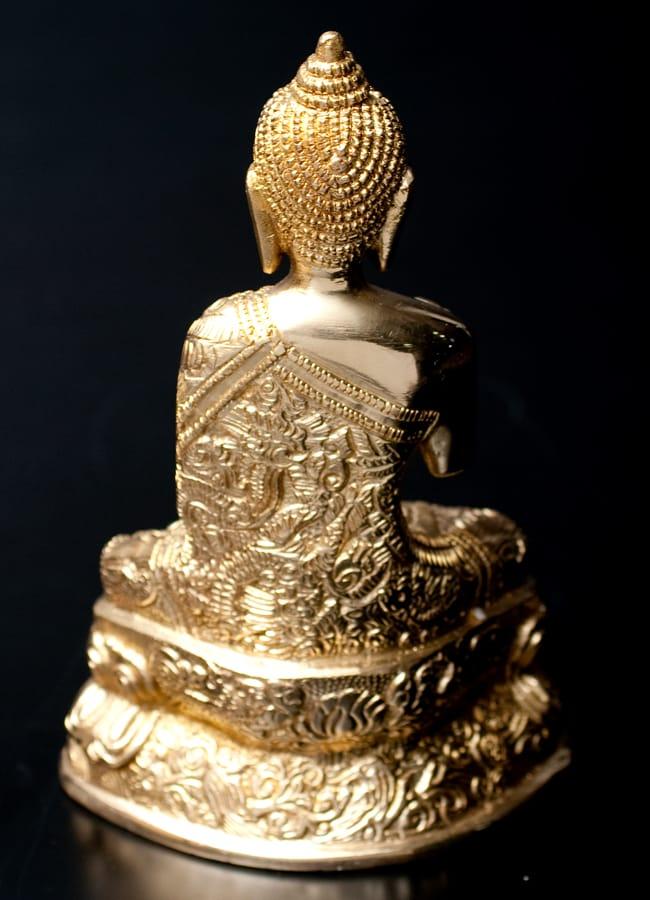金色に輝くヒストリーブッダ像【高さ:約18cm】の写真4 - 後ろからの写真です