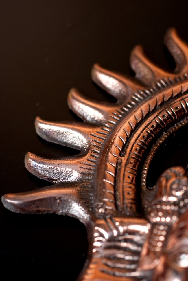 〔壁掛けタイプ〕インドの神様ウォールハンギング - ガネーシャフェイス〔23.5cm〕の写真8 - 細かいところもよくできています