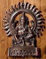 〔壁掛けタイプ〕インドの神様ウォールハンギング - 座りガネーシャ〔27.5cm〕