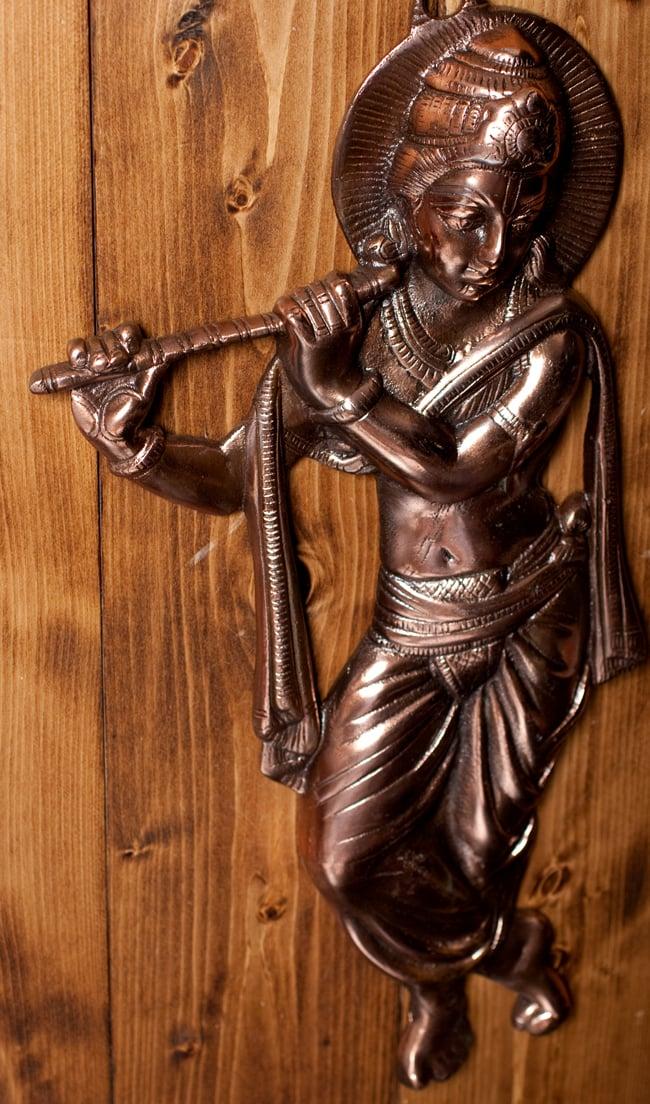 〔壁掛けタイプ〕インドの神様ウォールハンギング - 笛を奏でる クリシュナ〔53cm〕の写真4 - 反対側からの写真です