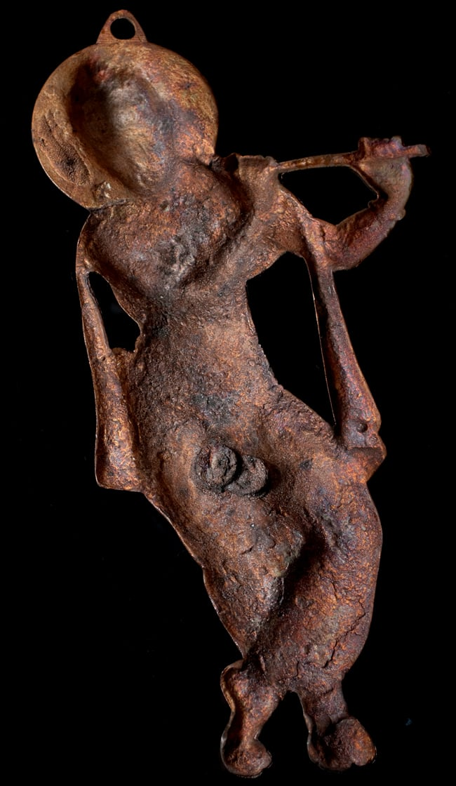 〔壁掛けタイプ〕インドの神様ウォールハンギング - 笛を奏でる クリシュナ〔53cm〕の写真6 - 裏面はこのようになっています