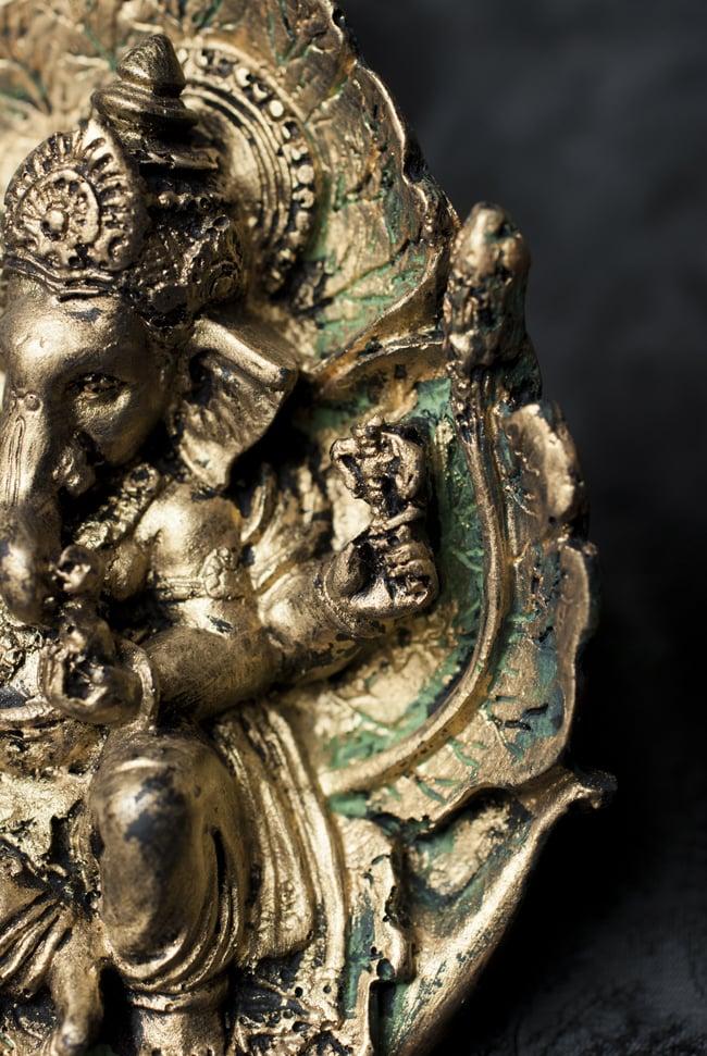 リーフガネーシャ ゴールド[10.5cm] 3 - 細部を見てみました。