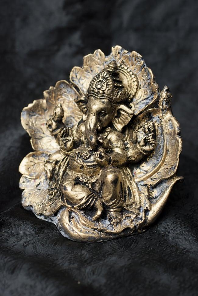 リーフガネーシャ ゴールド[10.5cm] 9 - 選択B:ゴールド×グレーの全体像です。