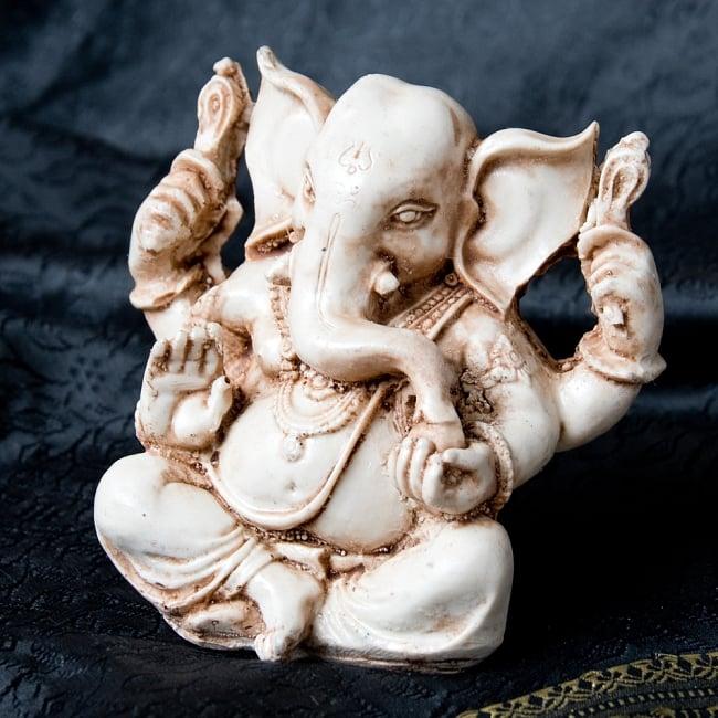 ラッドゥ・ガネーシャ [約12cm]の写真