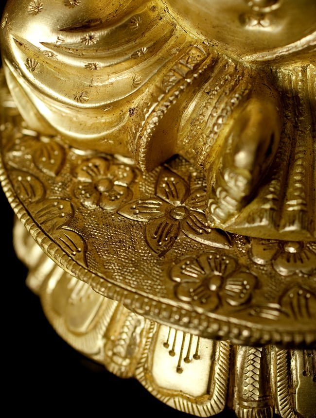 ブラス製 座りガネーシャ像[19.8cm]の写真6 - 細部の拡大写真です