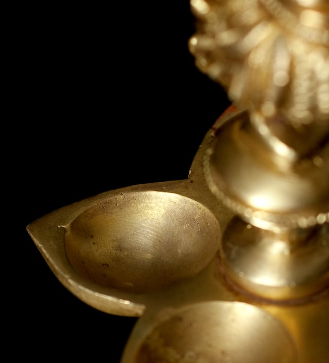 孔雀 ピーコックの5口香立て&オイルランプ[14.5cm]の写真7 - こちらがオイルを入れる場所になります