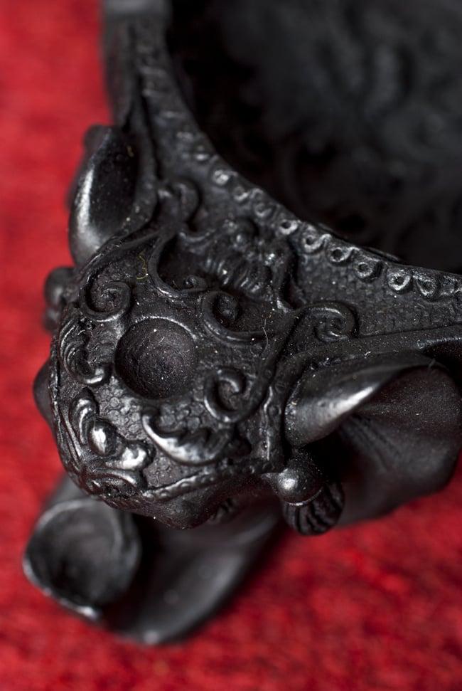 ブラック・エレファント灰皿の写真3 - 細部を見てみました。