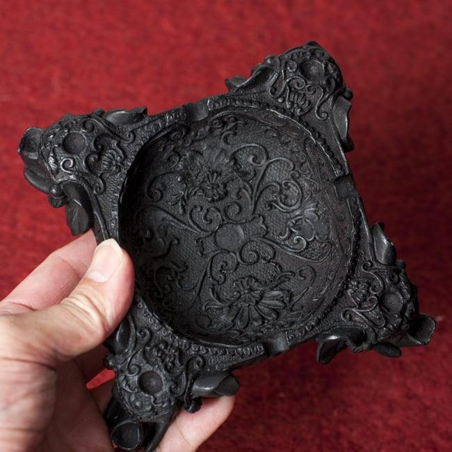 ブラック・エレファント灰皿の写真7 - 手にとってみました。