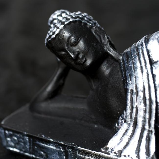 スリーピング・ブッダ 銀[22cm]の写真2 - 美しい顔立ちです。
