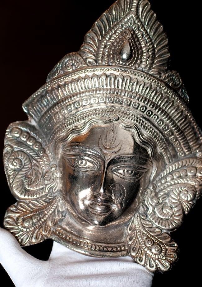〔壁掛けタイプ〕インドの神様ウォールハンギング - アルダナーリーシュヴァラ〔24cm〕の写真9 - サイズ感はこのくらいになります