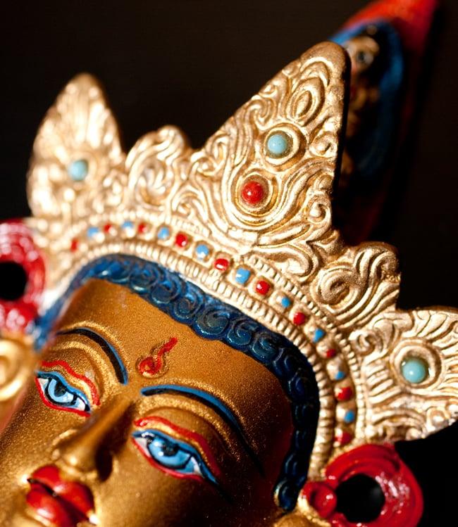 〔壁掛けタイプ〕インドの神様ウォールハンギング - ホワイトターラー〔18cm〕の写真7 - 細部の拡大写真です