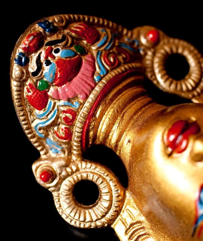 〔壁掛けタイプ〕インドの神様ウォールハンギング - ホワイトターラー〔18cm〕の写真8 - 細かいところもよくできています