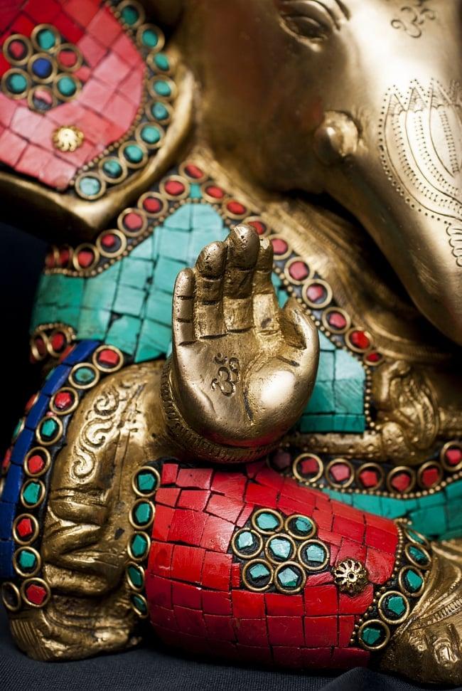 【一点もの】緑青石装飾のガネーシャ[高さ:21cm]の写真4 - 細部までよく作り込まれています。