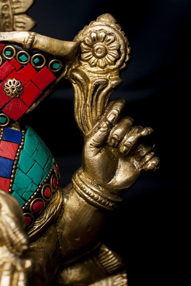 【一点もの】緑青石装飾のガネーシャ[高さ:20cm]の写真4 - 手元の様子です
