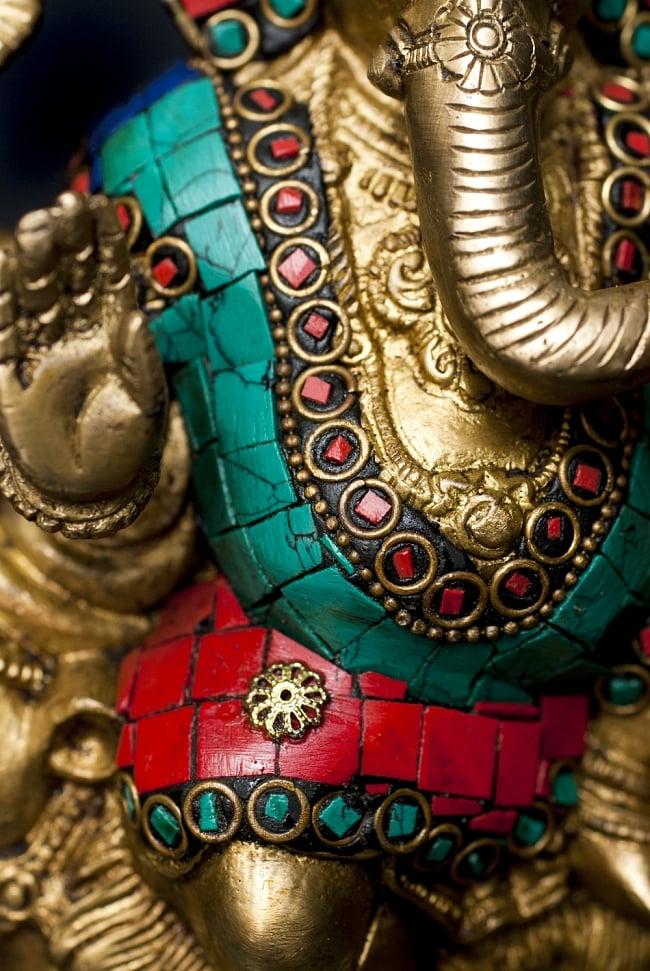 【一点もの】緑青石装飾のガネーシャ[高さ:19.5cm]の写真6 - 豊かな腹部の表現です