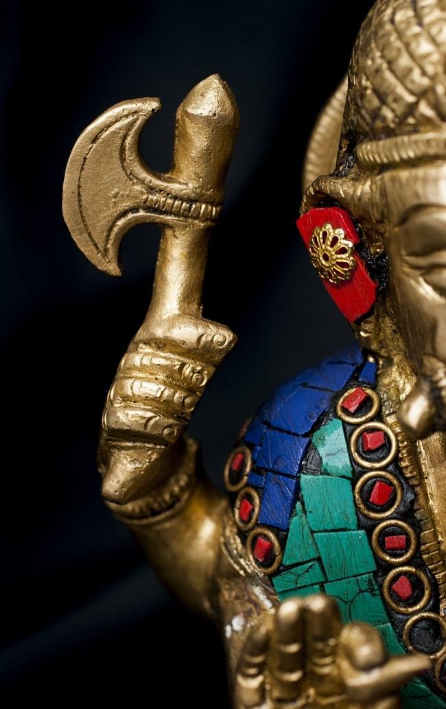【一点もの】緑青石装飾のガネーシャ[高さ:20cm]の写真6 - 武器を持ったガネーシャ